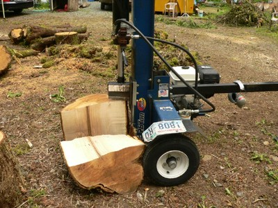 Hydraulic Log Splitter - Organic Gardening, Modern Homesteading